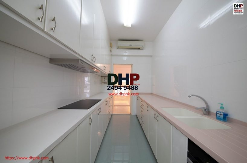 Las Pinadas Clearwater Bay Sai Kung House Communal Pool GYM Managed Complex