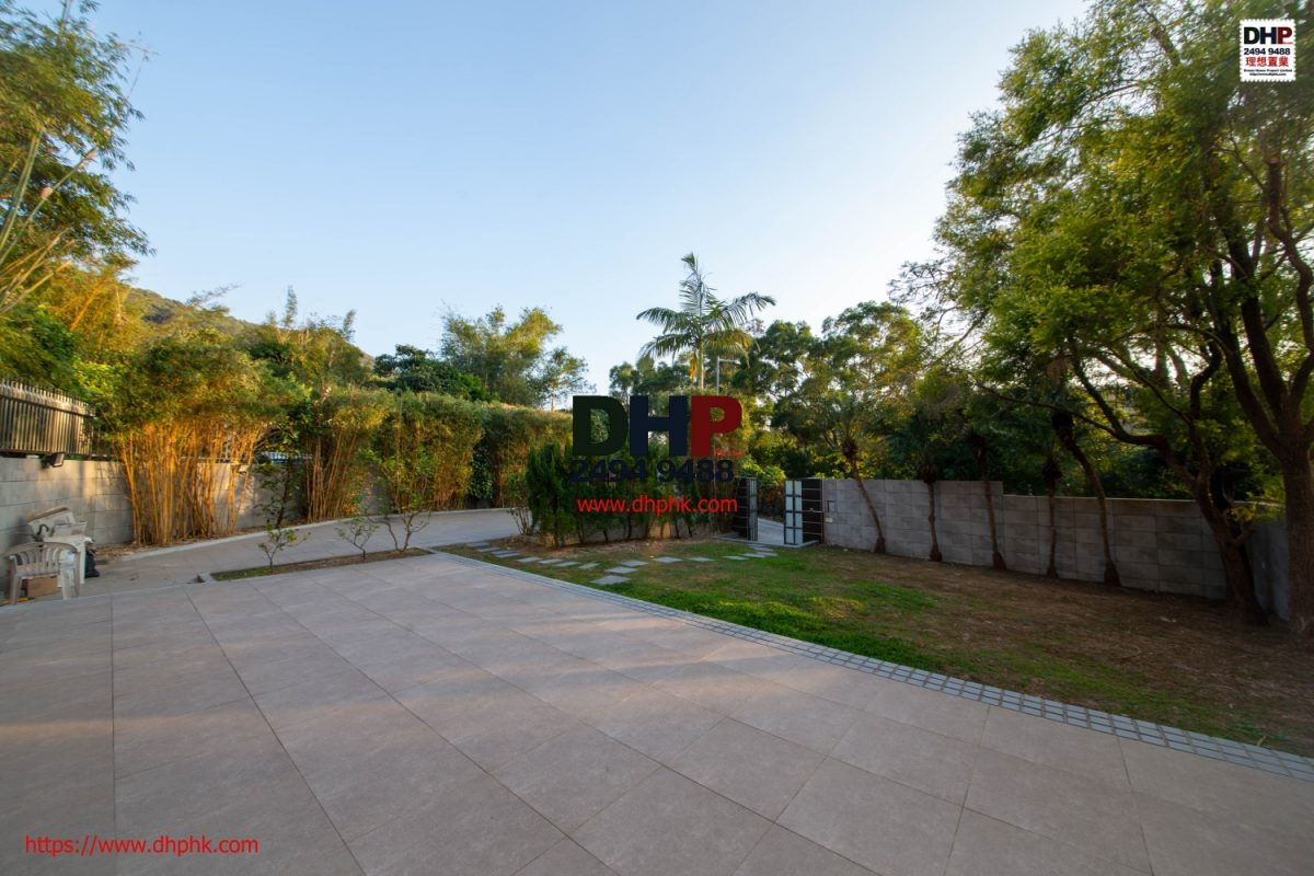 Fenced Indeed garden semi detached house Tai Mong Tsai Sai Kung house